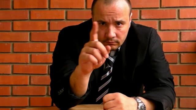 深刻なビジネスマン - 禁止点の映像素材/bロール