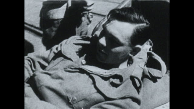 seriously wounded or ill british prisoners of war arriving in alexandria after being repatriated from italy in circa 1942. - prisoner of war stock videos & royalty-free footage