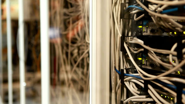 server room - sicherheit stock-videos und b-roll-filmmaterial