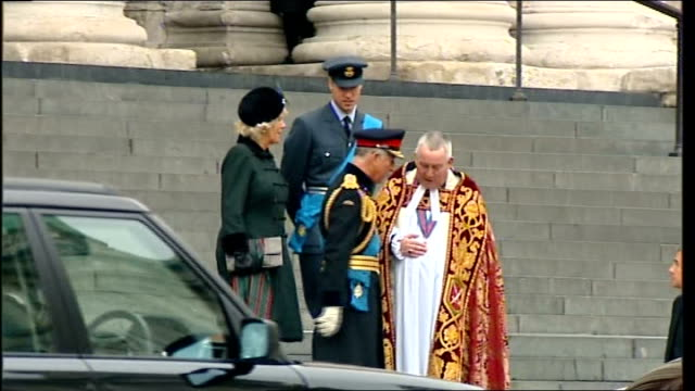 service of remembrance: st paul's departures; england: london: st paul's cathedral: ext prince charles, prince of wales talking to graeme knowles on... - prince edward, earl of wessex stock videos & royalty-free footage