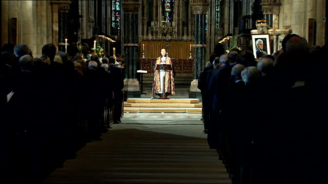 service of thanksgiving for sir bobby robson arrivals service and departures alex ferguson singing sot / terry butcher / reverend opening service sot... - religious service stock videos & royalty-free footage