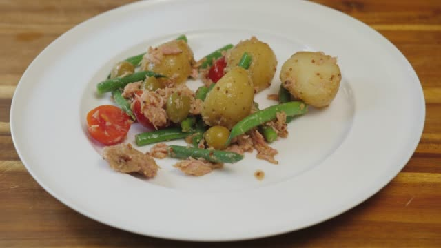 service salad nicoise - salad nicoise stock videos & royalty-free footage