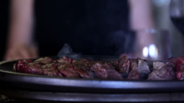 serving meat in a restaurant - restaurante stock videos & royalty-free footage
