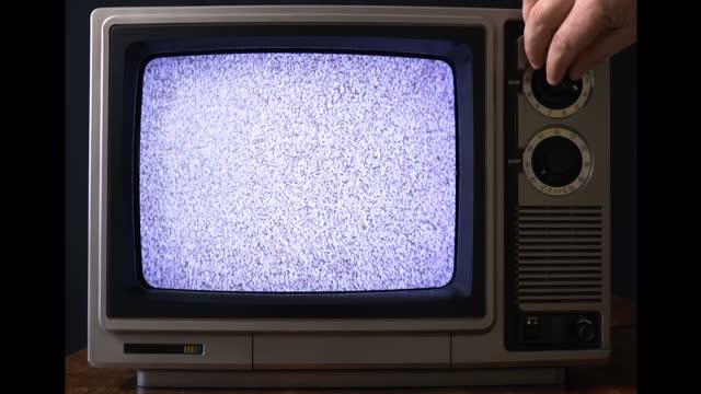 vidéos et rushes de vieux téléviseur - projection de films