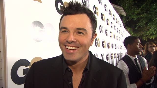 seth macfarlane on why he attends this party every year what he would be doing if he wasn't a actor/writer/producer and the flavor of ice cream he... - プロデューサー点の映像素材/bロール