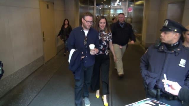 vídeos de stock e filmes b-roll de seth rogen and rose byrne leaving the 'today' show in celebrity sightings in new york, - rose byrne