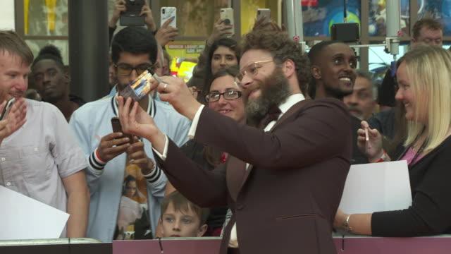 vídeos de stock e filmes b-roll de seth rogen at the lion king uk premiere on july 14 2019 in london greater london - meghan markle lion king