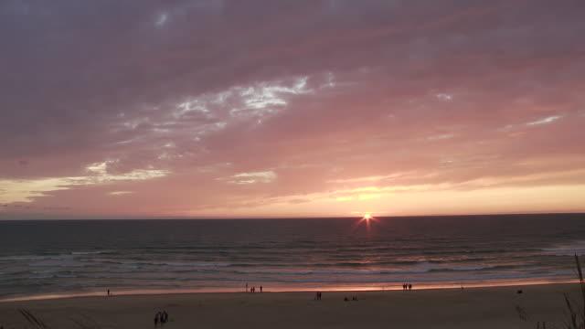 WS Setting sun on Atlantic coast in Southern France / Cap de l'Homy, Aquitaine, France