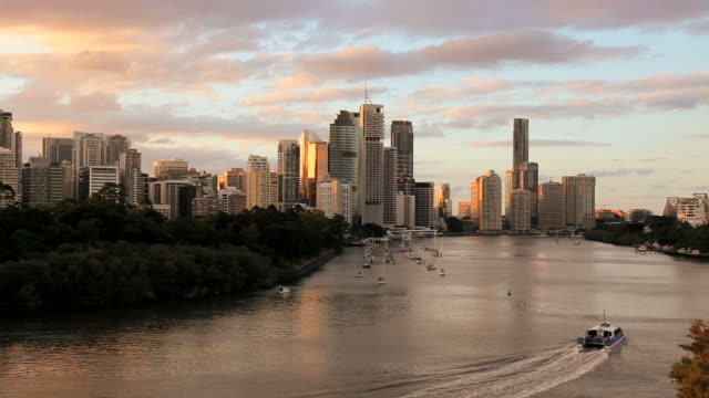 setting sun over brisbane city, queensland, australia, southern hemisphere - southern hemisphere stock videos & royalty-free footage