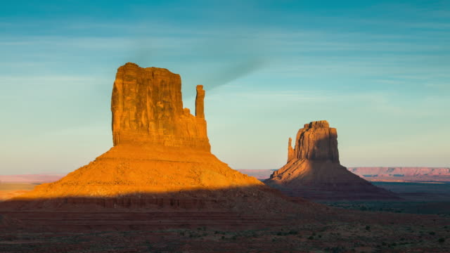 Setting Sunlight on Mitten Buttes, Monument Valley - Time Lapse
