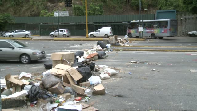 setting up barricades around caracas and other cities of venezuela is the new method demonstrators are using to protest against street crime, the... - other stock videos & royalty-free footage