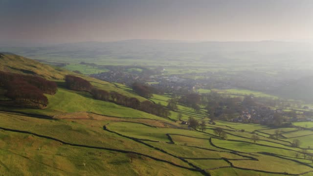 Regelen en Giggleswick, North Yorkshire - Drone Shot