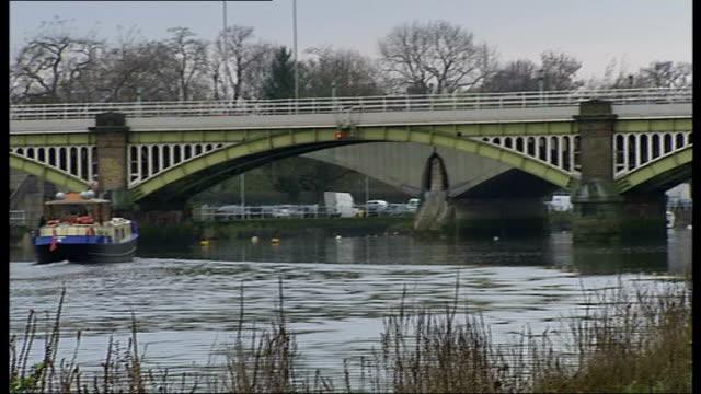 seven london bridges receive listed status richmond railway bridge with twickenham bridge seen beyond / ironwork of bridge / plaque on bridge giving... - erezione video stock e b–roll