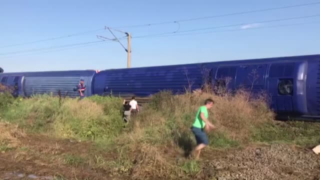 several bogies of a passenger train derailed on sunday in turkey's northwestern tekirdag causing multiple casualties eyewitnesses said the train was... - 編集動画点の映像素材/bロール