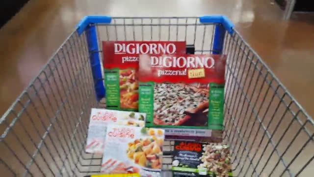 several clips of recalled food products including digiorno pizzas and lean cuisine frozen meals at a local grocery store nestle usa is voluntarily... - frozen food stock videos & royalty-free footage