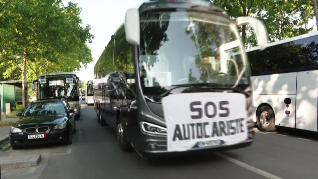 several dozen tourist coach operators are demonstrating in paris, near the ministry of economy and finance - dozen stock videos & royalty-free footage