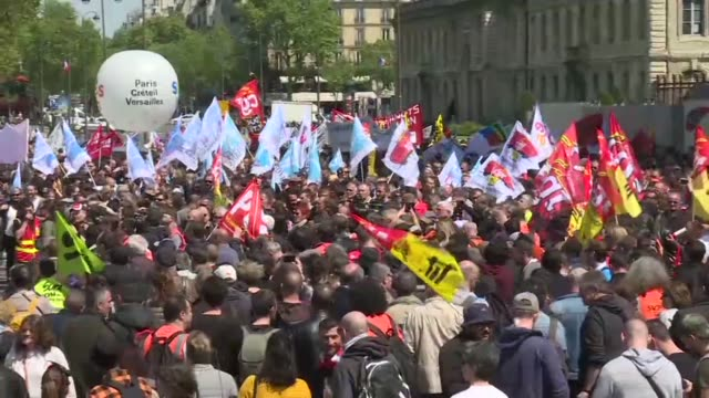 several hundred rail workers turn out for a protest organized by the cgt unsa sud cfdt and fo unions to put pressure on the french government ahead... - prime minister video stock e b–roll