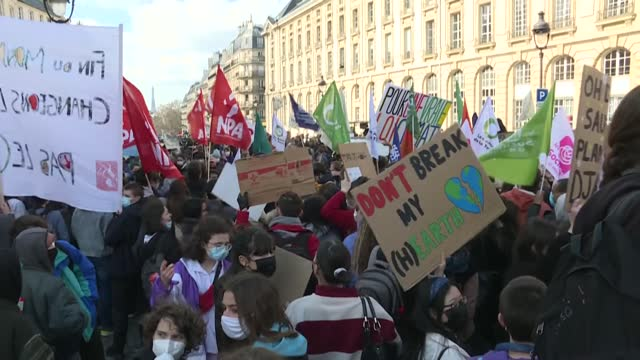 """several hundred youths gather at the place du panthéon in paris to rally on climate issues, at the behest of the """"youth for climate"""" organisation,... - youth organisation stock videos & royalty-free footage"""