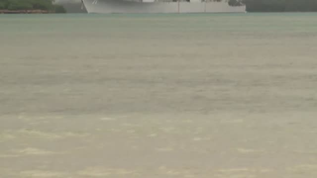 several ships depart pearl harbor for the sea phase of rim of the pacific exercise 2014 departing ships included usns rainier uss michael murphy hmcs... - segelmannschaft stock-videos und b-roll-filmmaterial