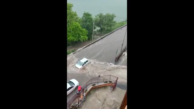 severe thunderstorm brought heavy rains and caused flooding in lyon on wednesday, june 23. météo france issued an orange warning for flooding for the... - danger stock videos & royalty-free footage