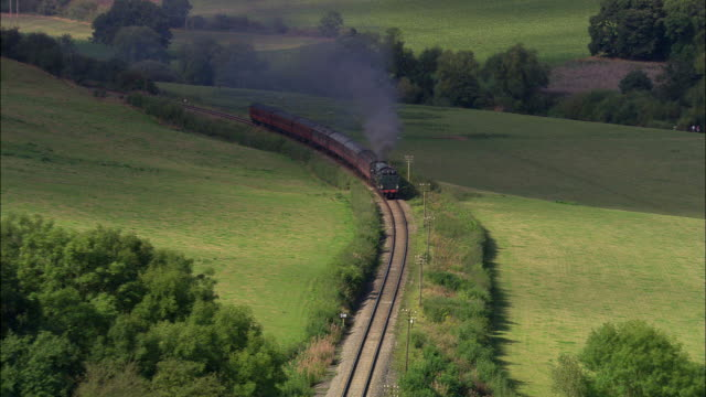 severn valley steam train (green) - steam train stock videos & royalty-free footage