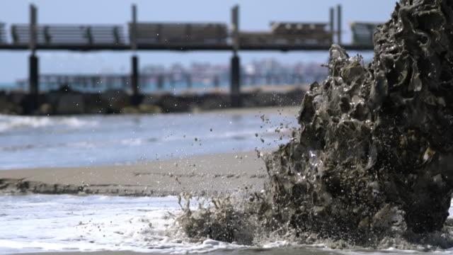 vidéos et rushes de système d'écoulement des eaux - bonde