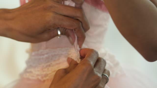 vídeos y material grabado en eventos de stock de coser a mano - saltar actividad física