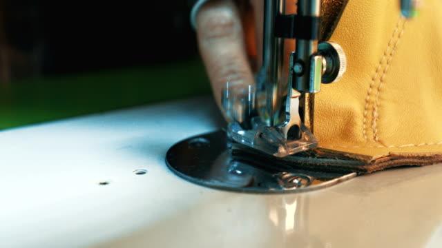 macchina da cucire - stilista di moda video stock e b–roll