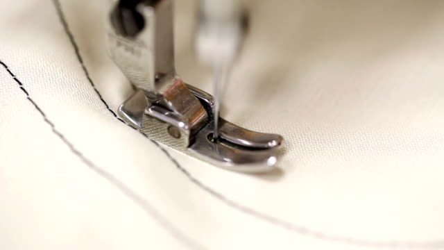 stockvideo's en b-roll-footage met sewing machine - doe het zelven