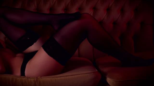 vídeos de stock e filmes b-roll de sexy legs - meia calça