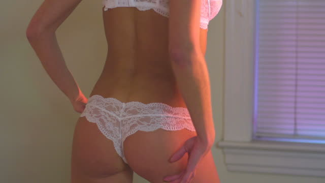 stockvideo's en b-roll-footage met hd crane: sexy woman in lingerie - borstkas