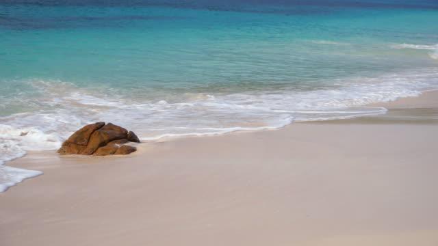 vídeos de stock e filmes b-roll de seychelles footage - boulder rock