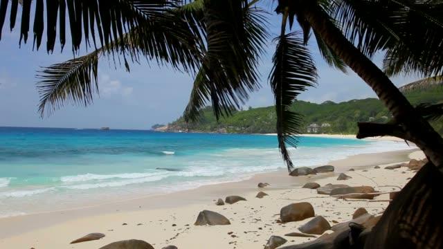 vídeos y material grabado en eventos de stock de seychelles, mahé island, the beach of anse intendance - seychelles