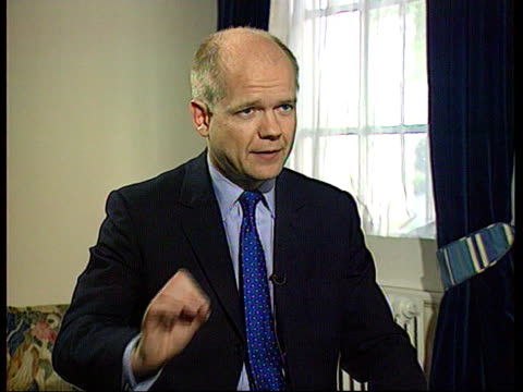 stockvideo's en b-roll-footage met william hague mp interview sot it doesn't change any political balance/ we have established a clear policy that whole party can campaign for in... - william hague