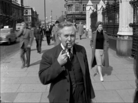 shadow chancellor harold wilson arrives at westminster england london westminster ext harold wilson mp arriving at the houses of parliament broadcast... - harold wilson stock-videos und b-roll-filmmaterial