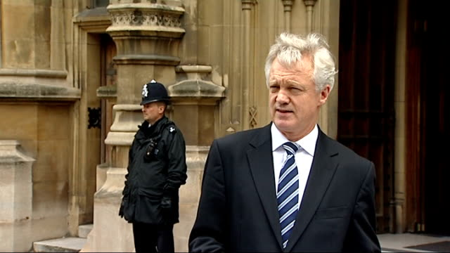 stockvideo's en b-roll-footage met shadow home secretary david davis resignation statement i will be resigning my membership of this house and i intend to force a byelection in... - schaakstuk