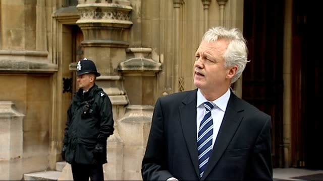 shadow home secretary david davis resignation statement; - in truth 42 days is just one, perhaps the most salient example, of the insidious,... - クランプ点の映像素材/bロール