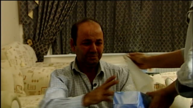 shafilea ahmed murder trial: parents found guilty of murder; lib warrington: int iftikhar ahmed and farzana ahmed sitting for interview and iftikhar... - 英チェシャー州点の映像素材/bロール