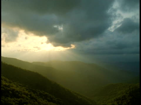 T/L shafts of Sunlight over Mountains, Craggy Gardens, Blue Ridge Parkway, Blue Ridge Mountains, North Carolina