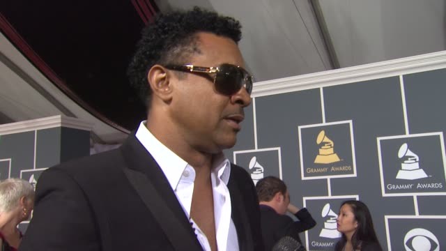 shaggy on his nomination, on whitney houston, and on being at the event at 54th annual grammy awards - arrivals on 2/12/12 in los angeles, ca - 歌手 シャギー点の映像素材/bロール