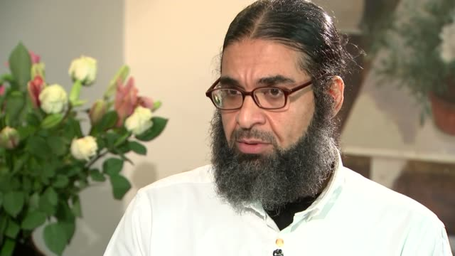 london shaker aamer interview sot it was every sense of demeaning torture it's a pure torture i've been kept for nine days awake i was standing... - shaker aamer stock videos & royalty-free footage