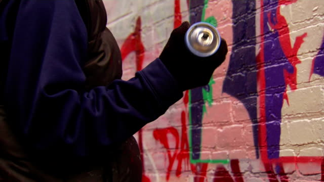 shaking spray can - spray painting stock videos & royalty-free footage