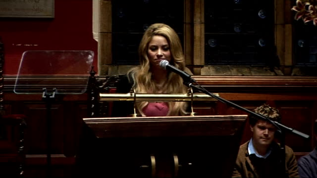 oxfordshire oxford university photography*** shakira entering oxford union to applause shakira speech sot thank you oxford union it is truly an... - plain stock videos & royalty-free footage