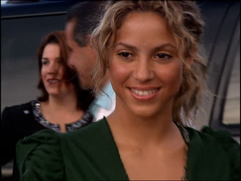 shakira arriving at the 2005 mtv video music awards red carpet - shakira stock videos and b-roll footage