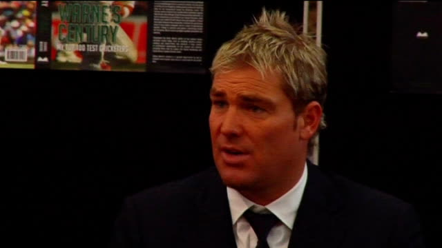 shane warne book launch: press conference and book signing; shane warne press conference sot - england are ok at one day cricket, at test cricket it... - クリケット選手点の映像素材/bロール
