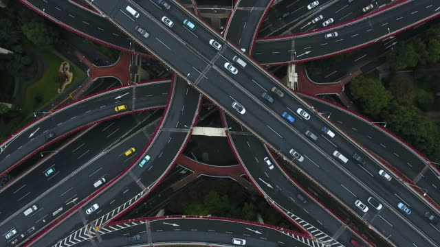 stockvideo's en b-roll-footage met shanghai luchtfoto highway kruispunt - parkeren