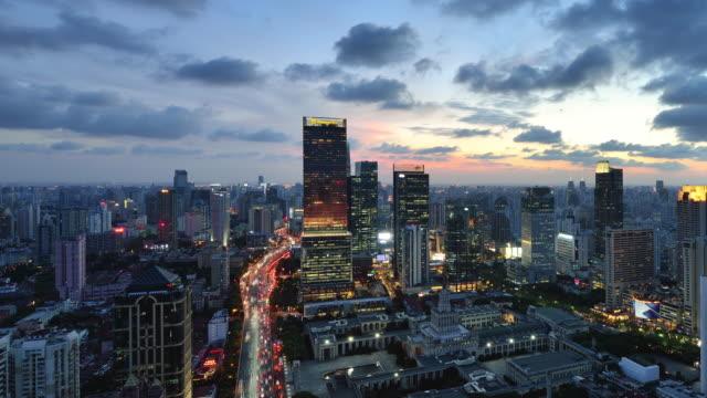 4K: Cityscape, China, dag aan nacht overgang van Shanghai