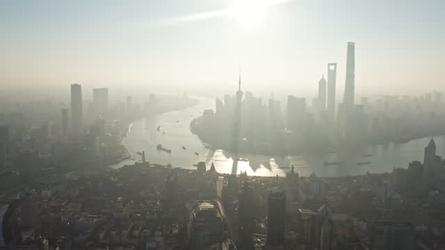 stockvideo's en b-roll-footage met shanghai skyline at sunrise - chinese cultuur