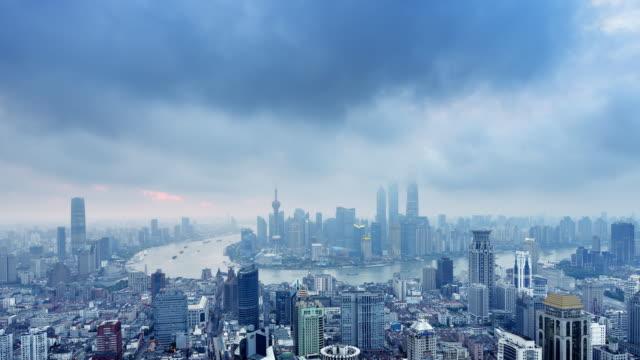 Shanghai Skyline från natt till dag, tidsfördröjning, zooma In