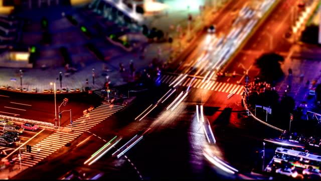t/l ha ls td panorera shanghai xuhui crossroad trafik hd - zebratryck bildbanksvideor och videomaterial från bakom kulisserna